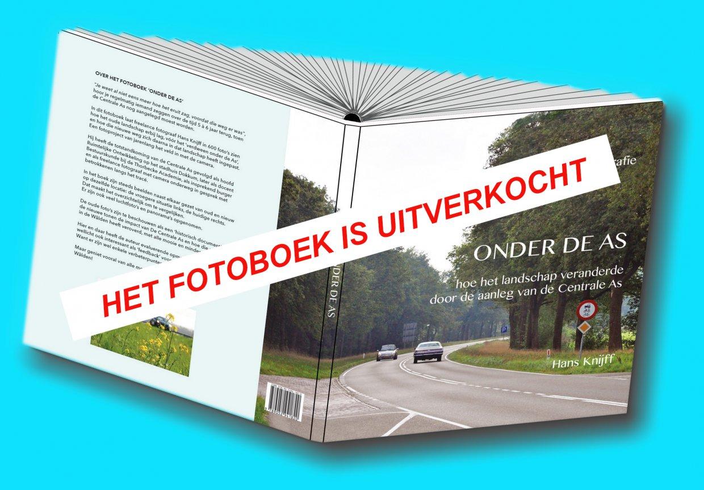 http://HansKnijff-Fotografie.nl/images/pics_db/images/hansknijff-fotografie.nl__Content_9331e3a4753e2e93d6a8c1de4963fa56_omslag_omgebogen_schuin_schaduw_blauw_-_uitverkocht.jpg_f336f29863c92759ab16eb1.jpg
